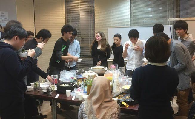 写真:小川研究室の留学生歓迎会